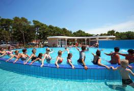 camping-solaris-piscine-1.jpg