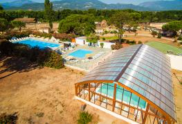 domaine-anghionne-castellare-di-casinca-vue-piscine-couverte