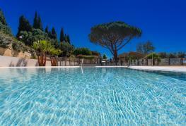 domaine-de-miremer-piscine.jpg