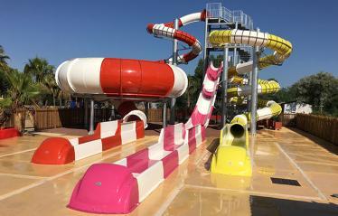 Oasis-palavasienne-Fun-Pool-03.jpg