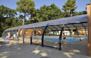 camping-fontaine-vieille-piscine-couverte (3).jpg