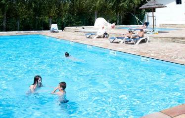 camping-harrobia-piscine-et-pataugeoire