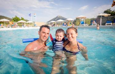 camping-terra-verdon-castellane-verdon-piscine-famille