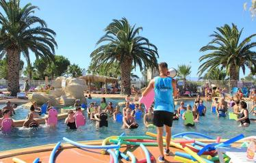 camping-les-tamaris-animations-piscine