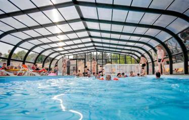 camping-puerta-del-sol-piscine-couverte
