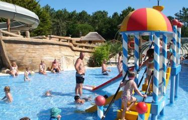 camping-vieux-port-messanges-landes-piscine-enfants