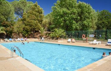 domaine-de-verdagne-la-piscine