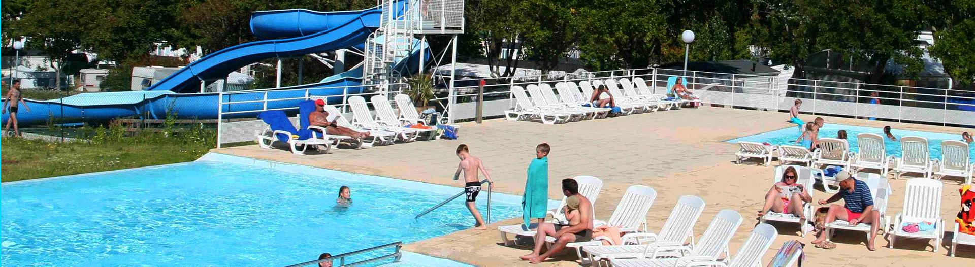 Camping-de-l'Eve-piscine-avec-toboggan-slider
