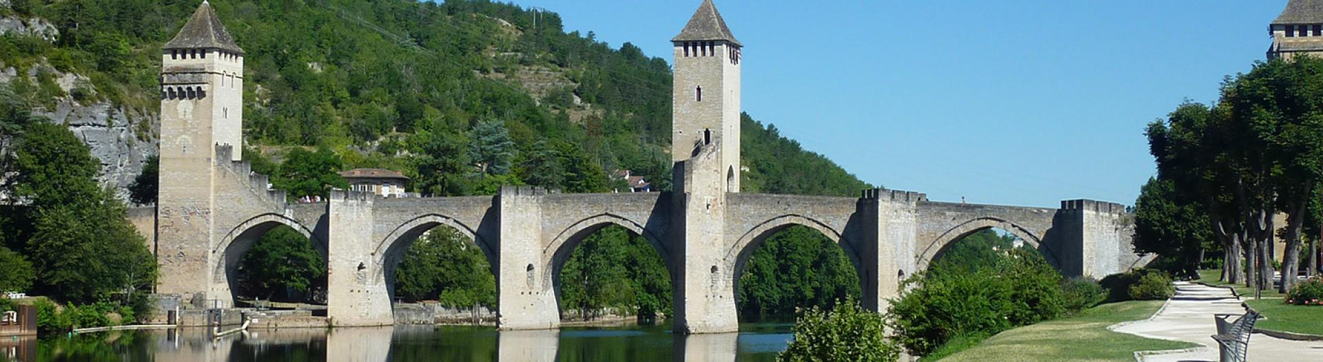 Slider-Le-Pont-Valentre-a-Cahors
