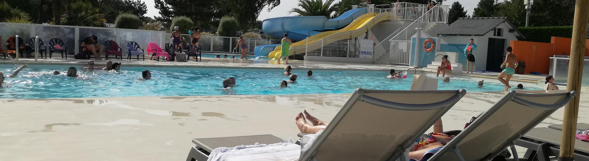 camping-jardins-de-kergal-piscine-bain-de-soleil-slider