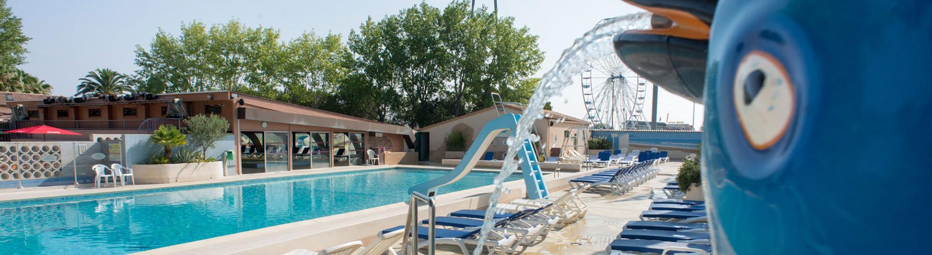 slider-Abri-de-Camargue-piscine-exterieure