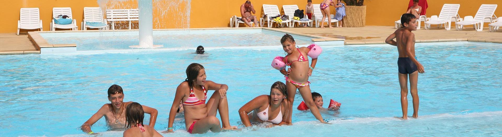 slider-camping-bel-air-olonne-piscine