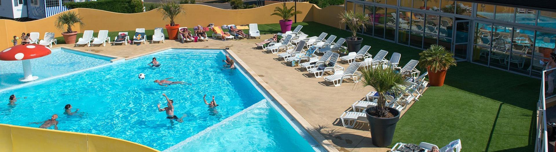 slider-camping-bel-air-olonne-vue-piscine