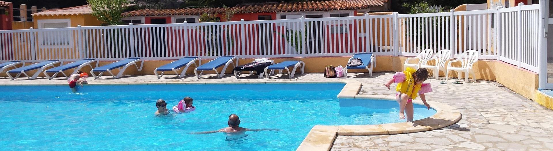 slider-camping-cap-du-roc-piscine