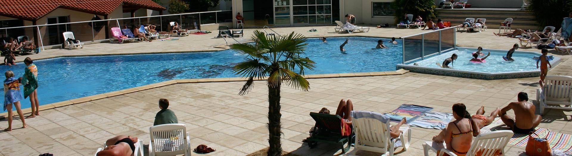 slider-camping-cypres-saint-gilles-vendee-bain-de-soleil