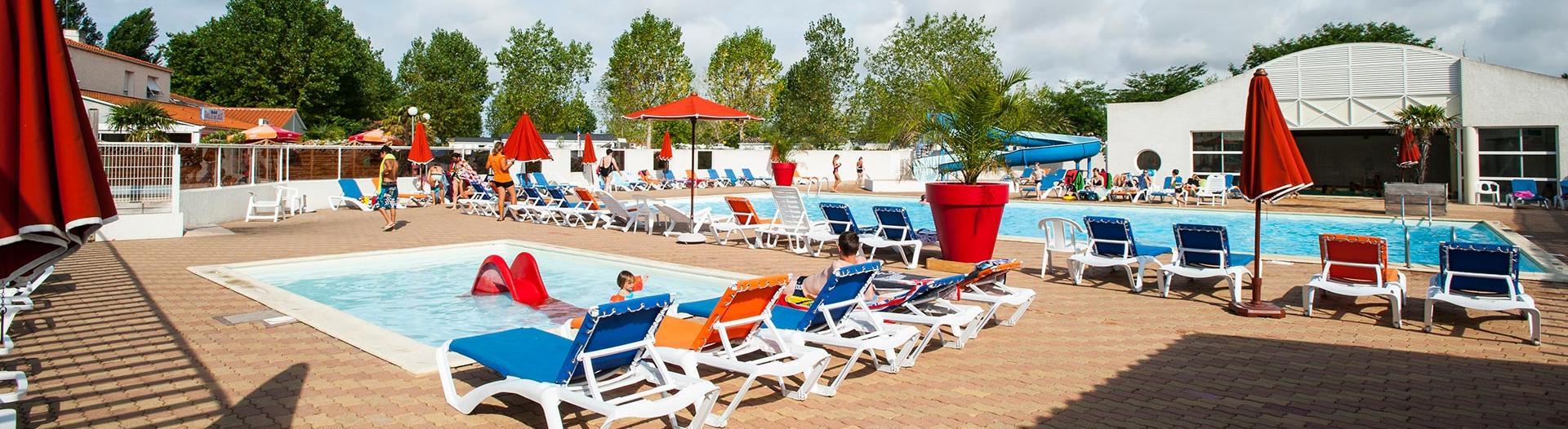 slider-camping-le-jard-piscine