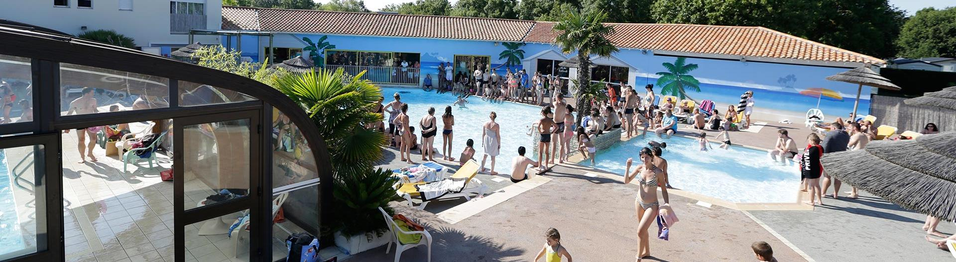 slider-camping-oleron-loisirs-charente-maritime-piscine-couverte