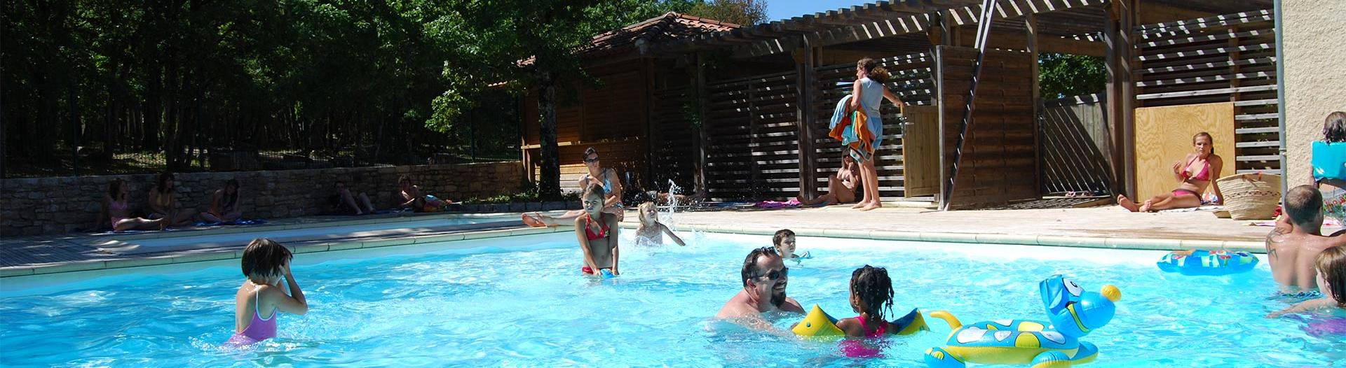 slider-camping-segalieres-piscine