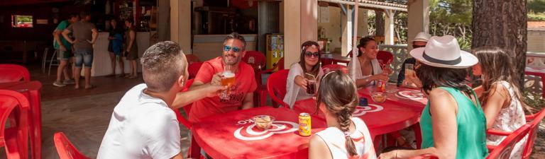 slider-camping-amandiers-parc-services-bar