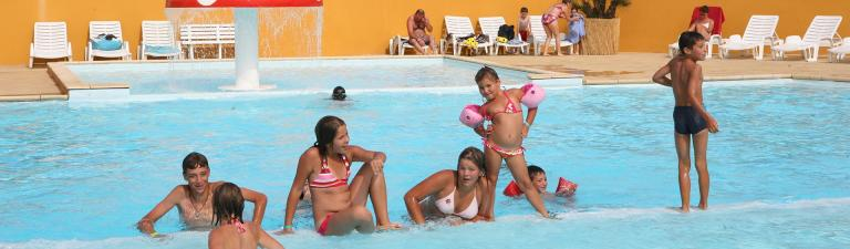 slider-camping-bel-air-olonne-piscine