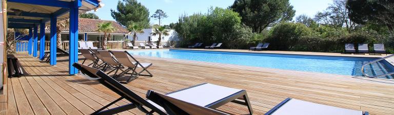slider-camping-blue-ocean-piscine