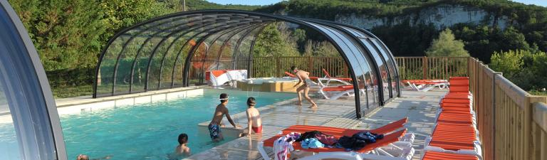 slider-camping-la-sagne-piscine-couverte