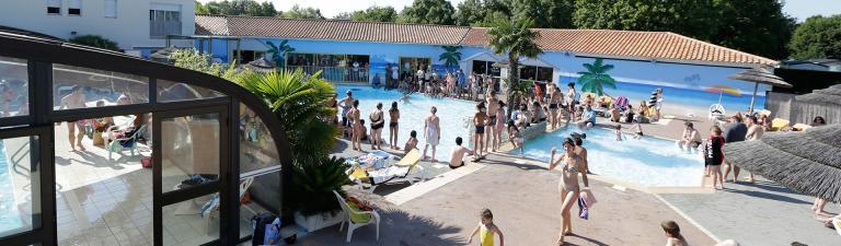 slider-camping-oleron-loisirs-charente-maritime-piscine-couverte