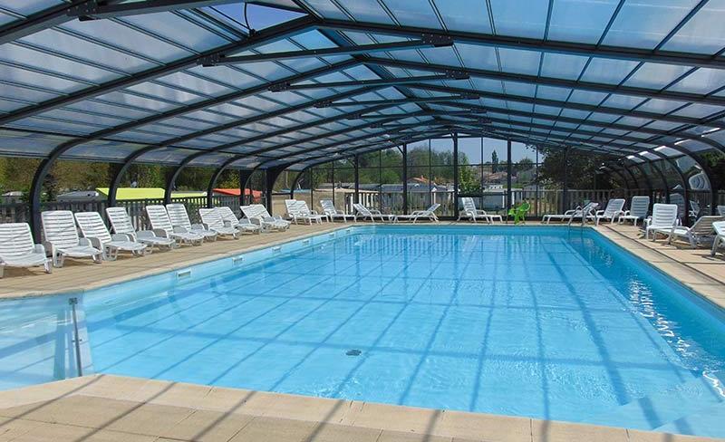 02-Beauchene-piscine-couverte.jpg