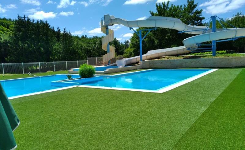 02-le-lizot-piscine-vue-toboggan.jpg
