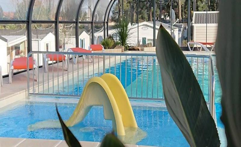 04-siesta-piscine-couverte-pataugeoire.jpg