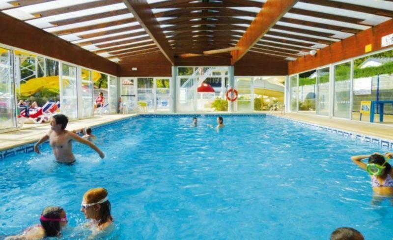 06-lou-pignada-piscine-couverte.jpg