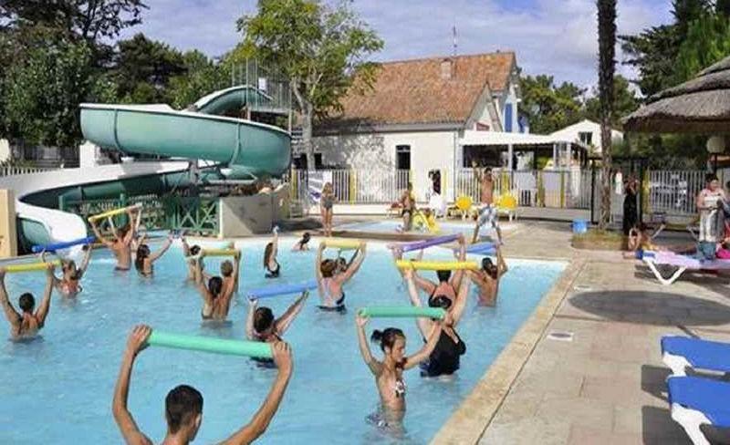 07-siesta-aquagym-piscine-exterieure.jpg