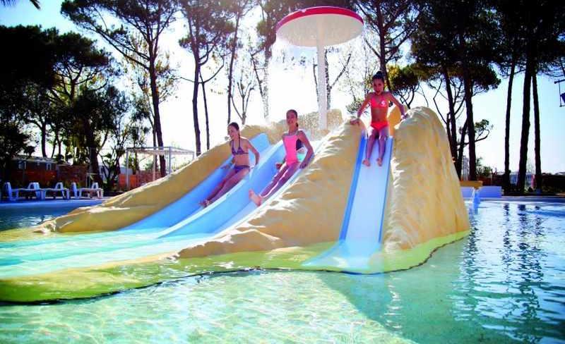 08-castellas-espace-aquatique-enfants.jpg