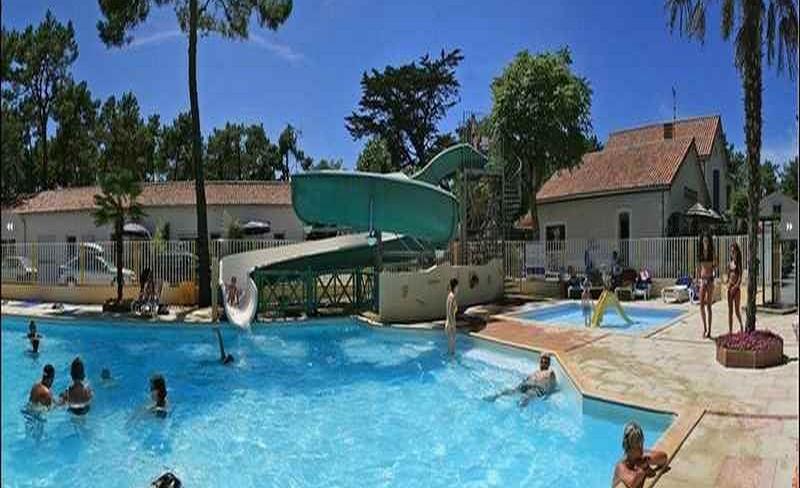 08-siesta-piscine-toboggan.JPG