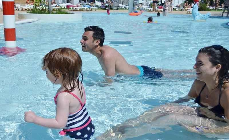 09-argeles-vacances-piscine.JPG