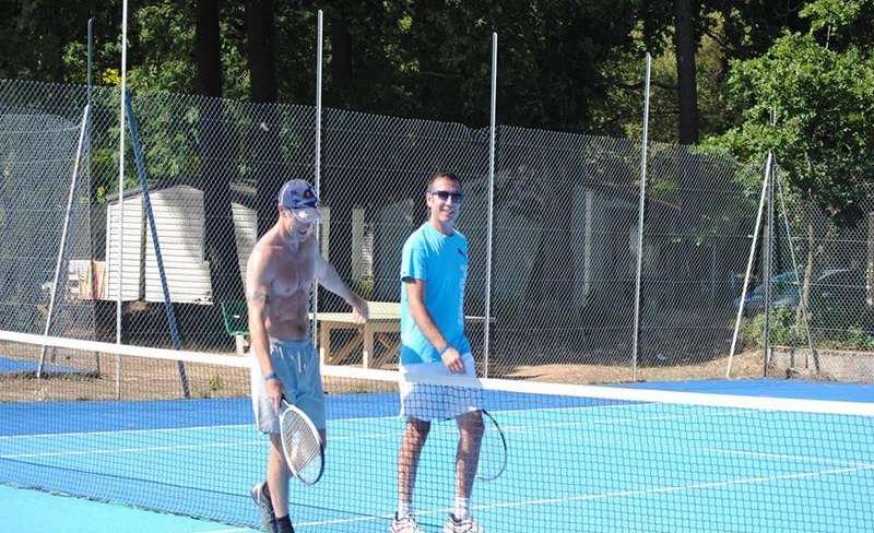 10-les-biches-tennis.jpg