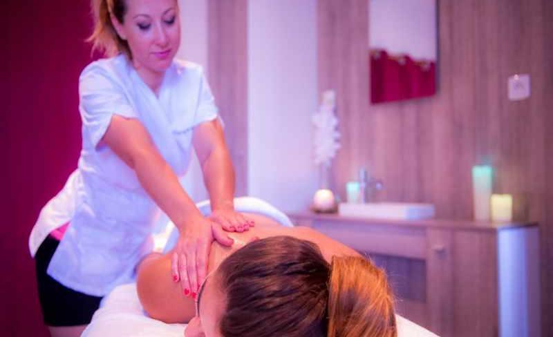 11-castellas-massage.jpg