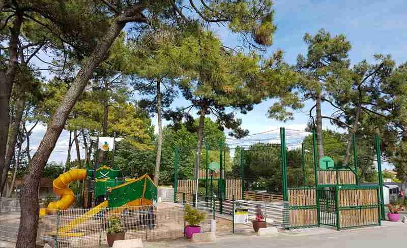 12-siesta-aire-de-jeux-camping.jpg