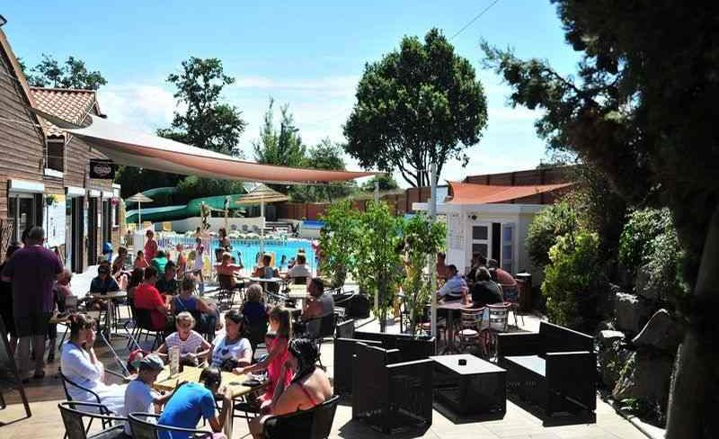 29-patisseau-terrasse-bar.jpg