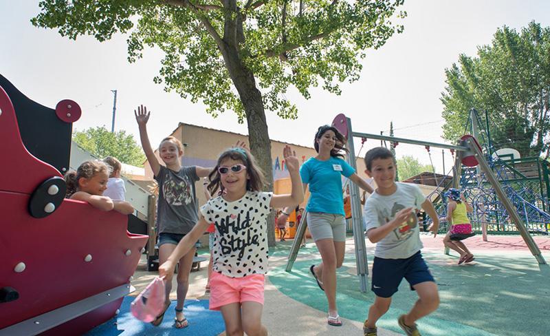 Abri-de-Camargue-loisirs-enfants-jeux-exterieur