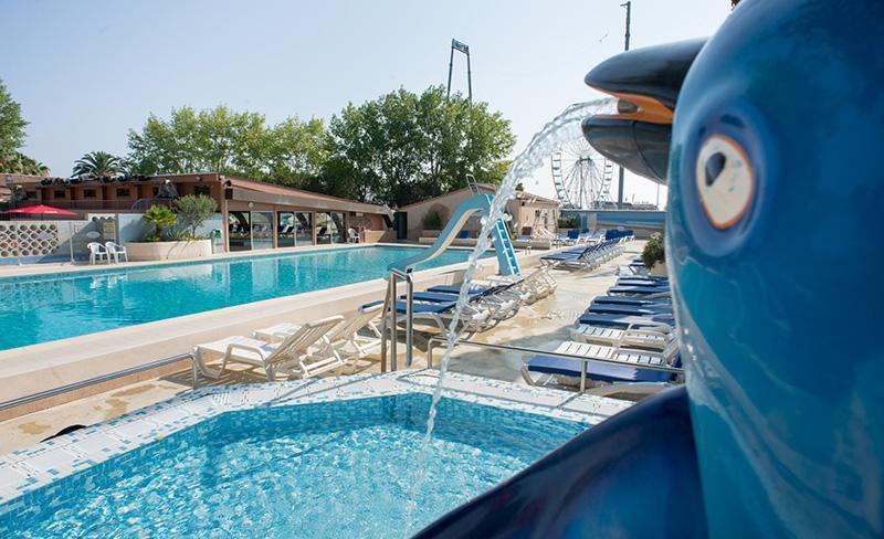 Abri-de-Camargue-piscine-exterieure