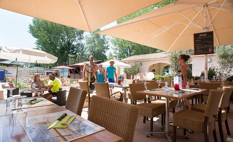 Abri-de-Camargue-restaurant