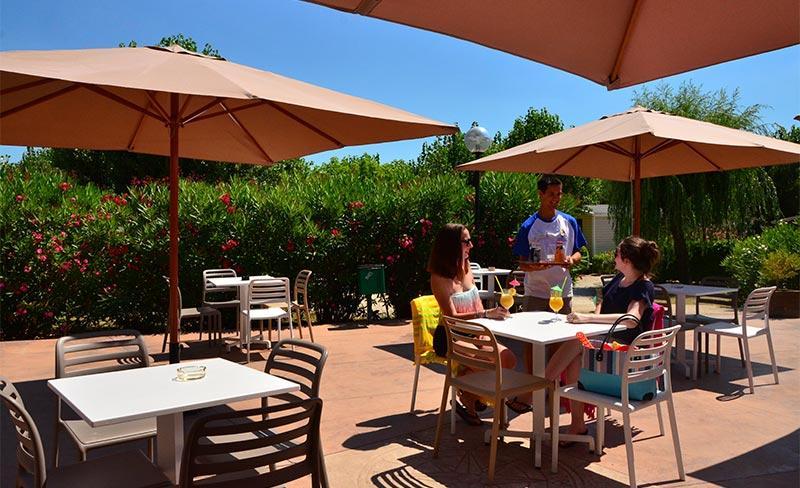 Amarines-Terrasse-Restaurant-02.jpg