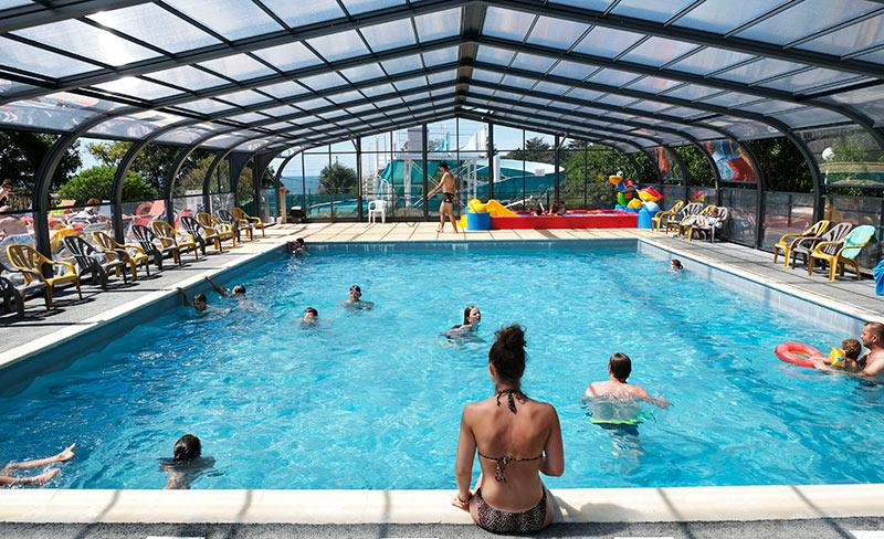 camping-de-l-eve-piscine-couverte-2019