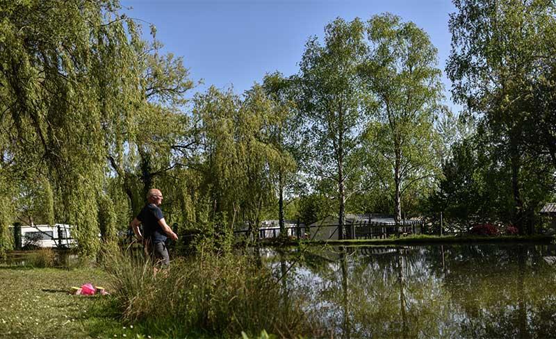 Domaine-de-Bellevue-Peche-02.jpg