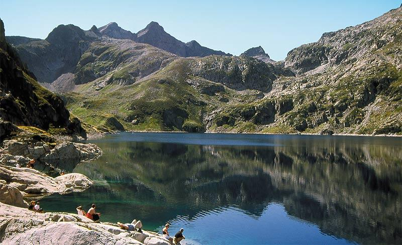 Ferme-Erromardie-Lac-Montagne.jpg