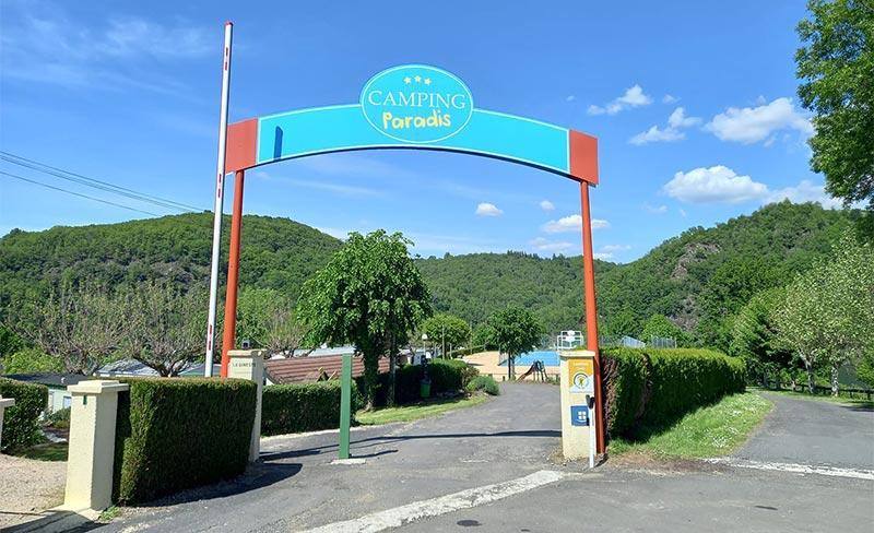 Gineste-Portique-d'entrée.jpg