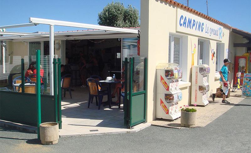 Grand-R-Bar-Terrasse-02.jpg