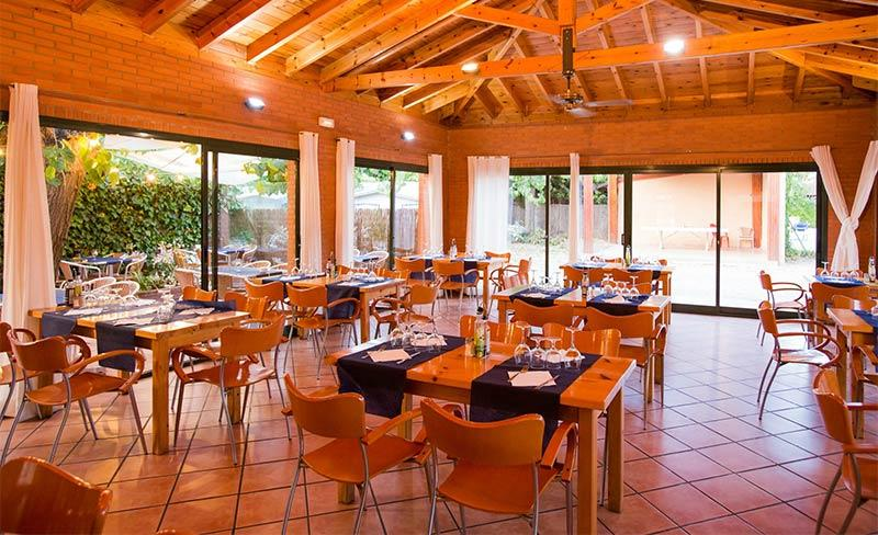 Llosa-Bar-03.jpg