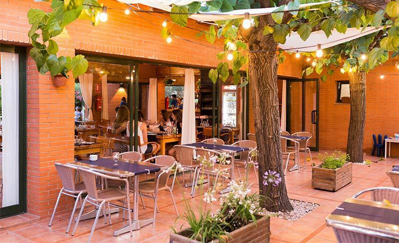 Llosa-Bar-04-exterieur.jpg